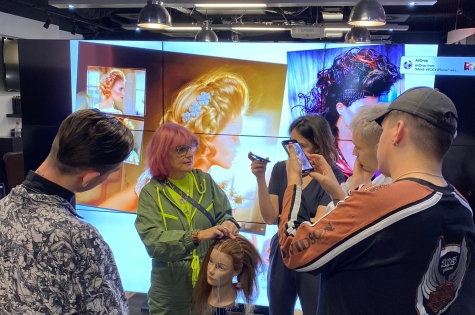 ClubStar Art Team Spend a Day with Anne Veck 4