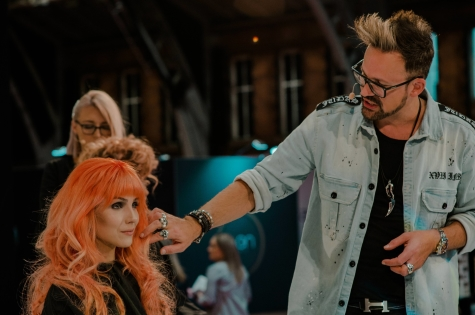Fellowship for British Hairdressing Present for Pro Hair Live 46