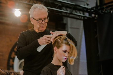 Fellowship for British Hairdressing Present for Pro Hair Live 68