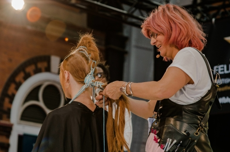 Fellowship for British Hairdressing Present for Pro Hair Live 73
